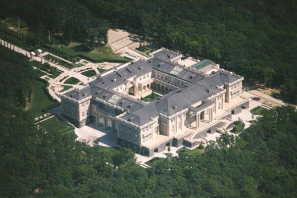 Da li je ovo privatna Putinova palata?