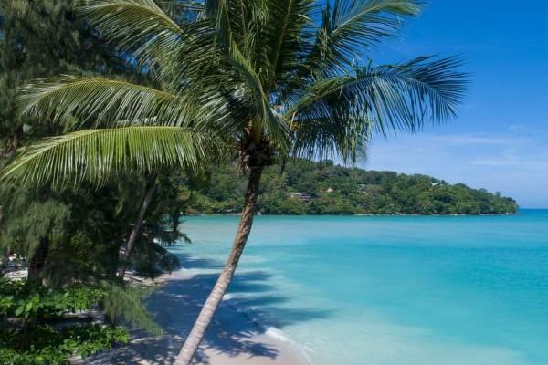 Besprekorni smaragd na plaži - Rosewood Phuket