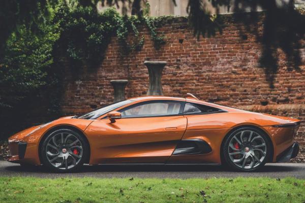 Na prodaju Jaguar C-X75 koncept iz filma Spectre