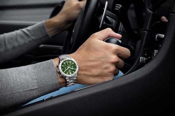 Omaž tradiciji: novi TAG Heuer Carrera časovnici