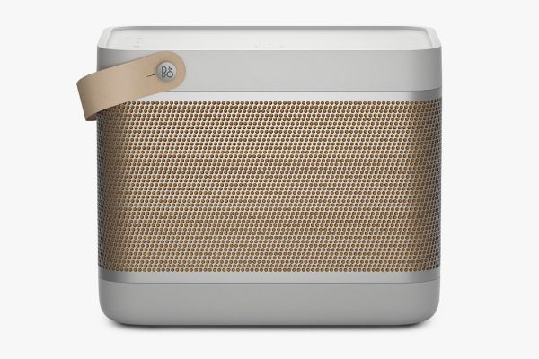 Bang & Olufsen predstavlja svoj novi zvučnik Beolit 20
