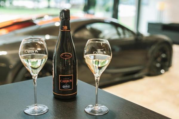 Bugatti u svetu šampanjca - Carbon