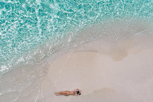 Maldivi planiraju da vakcinišu sve turiste koji ih posete