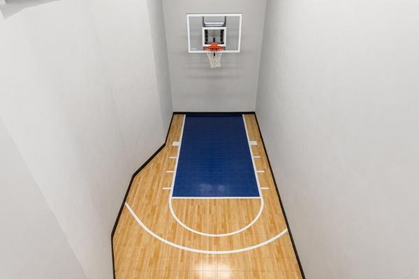 Pravi dragulj: njujorška vila sa sopstvenim košarkaškim terenom