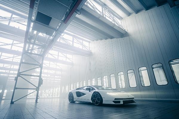 Povratak legende - Lamborghini predstavlja osveženi Countach