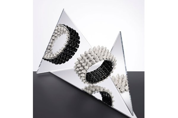 Lili Kolins blista u novoj Cartier Clash Unlimited kampanji