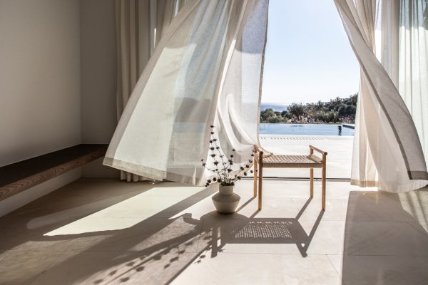 Kompleks impresivnih vila na ostrvu Kea kombinuje kamen sa beskrajnim plavetnilom Egejskog mora