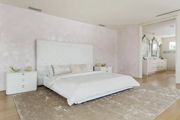 Unutar minimalističkog Šakirinog doma u Majamiju