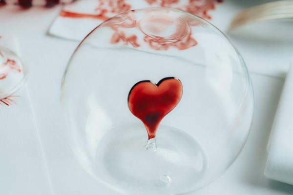 Veličanstveno crvena Dior Maison kolekcija u slavu ljubavi