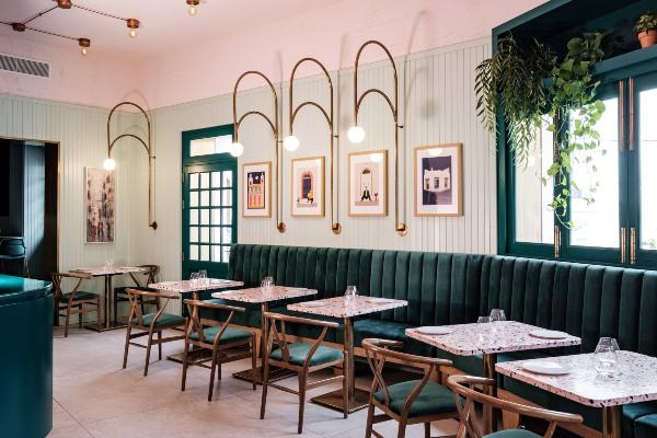 Šarmantni enterijer malteškog restorana