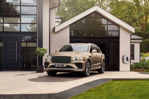 Bentley predstavlja redizajniranu verziju svog Bentayga modela