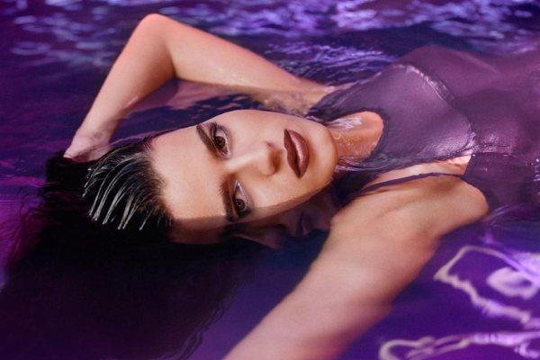 Lara Stone u novoj MAC Love Me Liquid Lipcolour kampanji