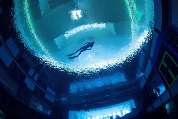 U Dubaiju otvoren najdublji bazen sveta