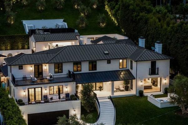 Iznajmite Rijaninu vilu sa neverovatnim pogledom