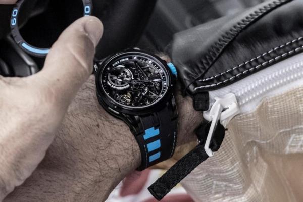 Roger Dubuis predstavlja časovnik koji možete promeniti kada god poželite