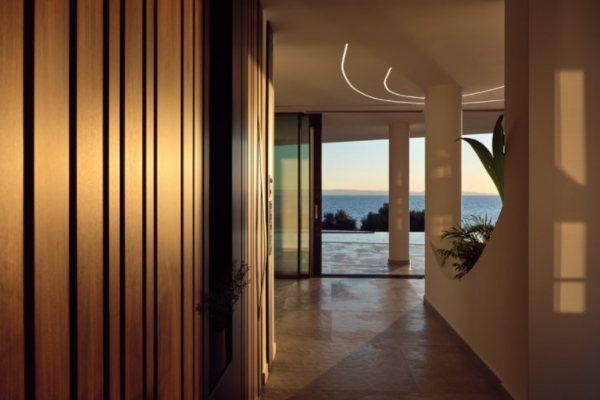 Impresivna luksuzna vila u Sitoniji je sanjivo letnje utočište