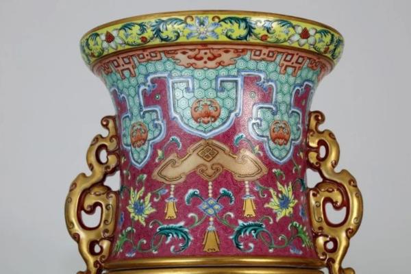 Drevna kineska vaza prodata za 41 milion dolara
