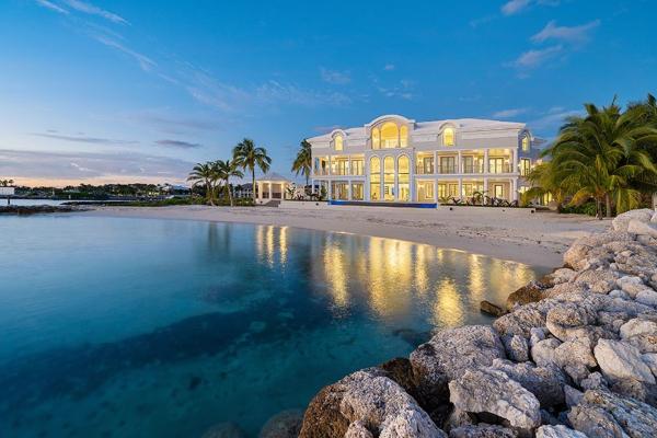 Zavirite u pravu vilu iz snova na Bahamima