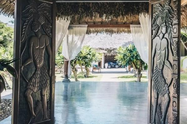 Zavirite u neobičnu ali luksuznu afričku vilu Naomi Kembel