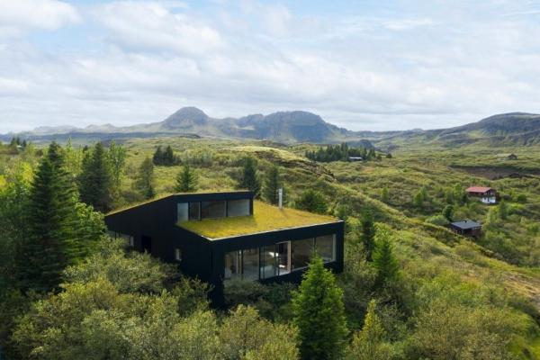Besprekorni luksuz islandske zelene vikendice