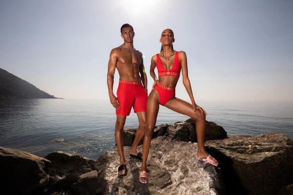 U letnjem raspoloženju: nova Versace La Vacanza kampanja