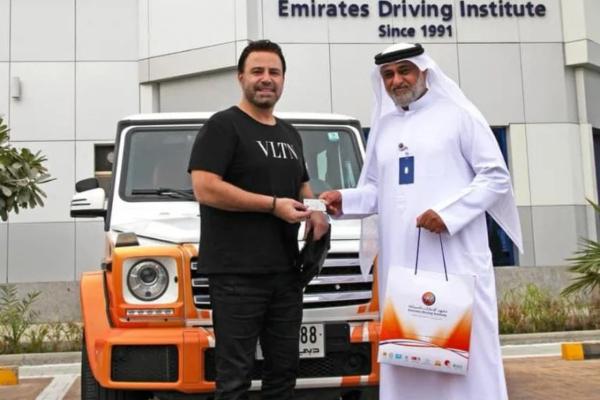 Samo u Dubaiju: naučite da vozite u Poršeu ili Bentliju