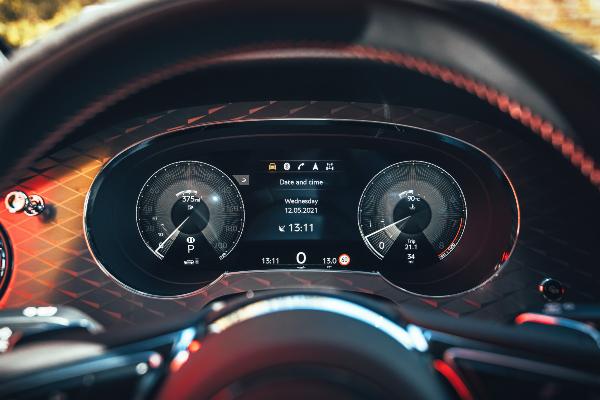 Bentley predstavlja novi Bentayga S