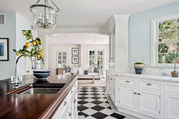Gvinet Paltrou prodaje dom u kom je odrasla u Los Anđelesu za 3,2 miliona dolara