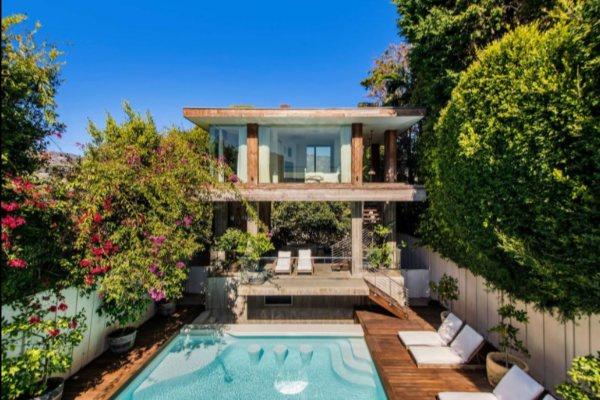 Pamela Anderson je prodala kuću u Malibuu za 12 miliona dolara