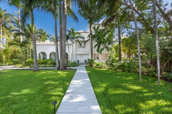 Unutar Al Kaponeove kuće na plaži vredne 10,75 miliona dolara
