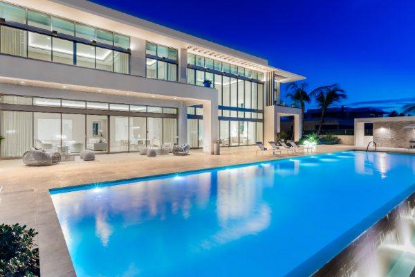Nova vila na plaži u Portoriku sa privatnim ulazom i batlerom