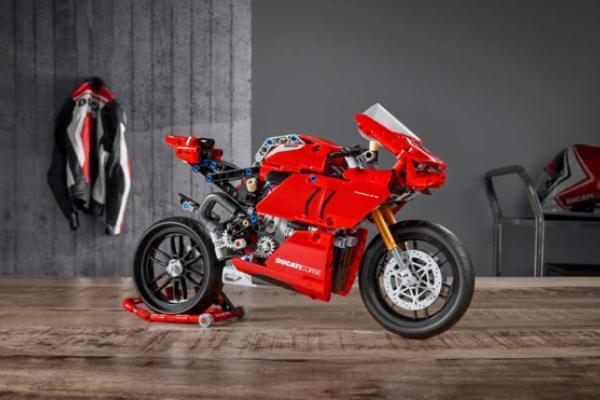 Ducati dobija svoju LEGO verziju.jpg